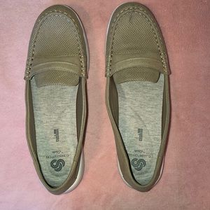 Women's Size 11 Clark Cloudsteppers NWT